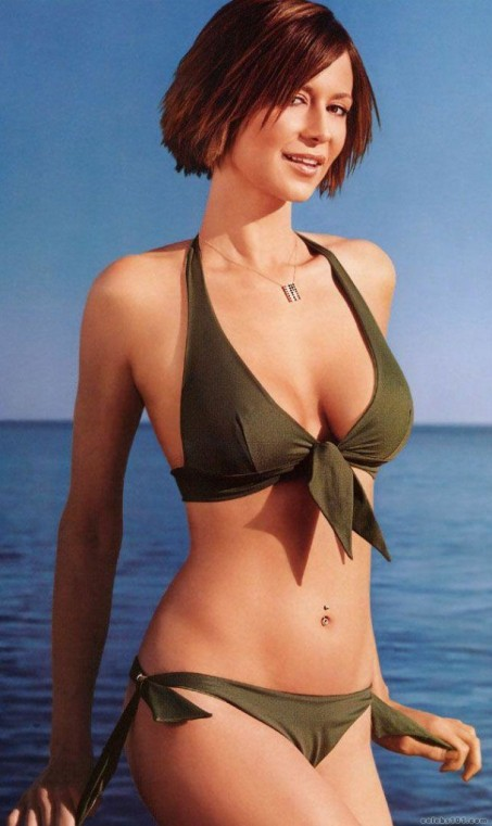 catherine-bell-hot-sexy-nude-picture-photos-belle-jolie