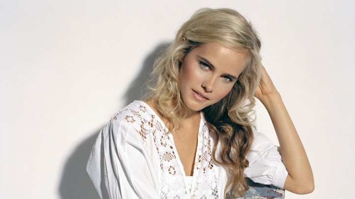 Isabel-lucas-hot-sexy-beauty-photos-picture-nude-1
