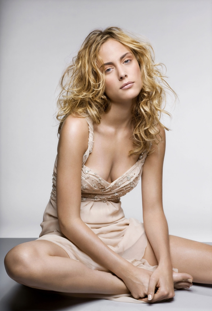 Nora-arnezeder-sexy-hot-photos-pictures-nude-nue-1