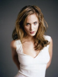 Nora-arnezeder-sexy-hot-photos-pictures-nude-nue-3
