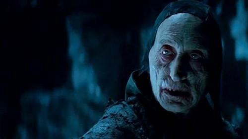 Je suis un vampire prisonnier d'une caverne, mais y'a pas de porte... en fait, je crois que je suis juste con...