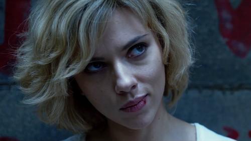 Lucy-Luc-Besson-Scarlett-Johansson-Morgan-Freeman-1