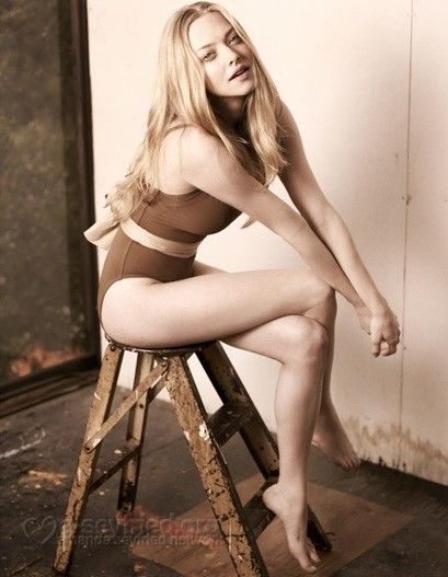 Amanda-Seyfried-sexy-hot-photo-picture-nude-image-11