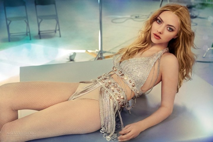 Amanda-Seyfried-sexy-hot-photo-picture-nude-image-7