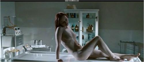 after-life-Christina-Ricci-Liam-Neeson5