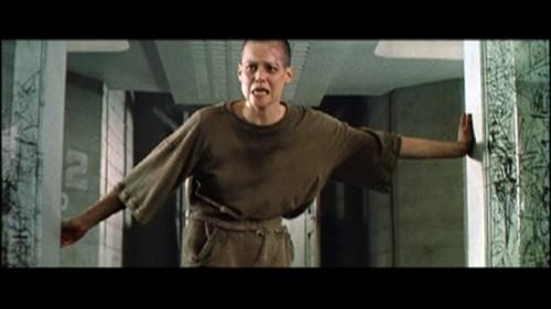 Alien-3-David-Fincher-Sigourney-Weaver-4