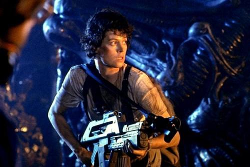 Aliens-le-retour-James-Cameron-Sigourney-Weaver-2