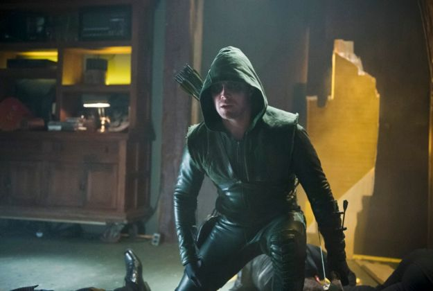 arrow-season-1-episode-21-the-undertaking-1