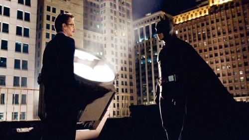 Batman-begins-Christopher-Nolan-Christian-Bale-Liam-Neeson-Mickael-Caine-Gary-Oldman-Morgan-Freeman-9