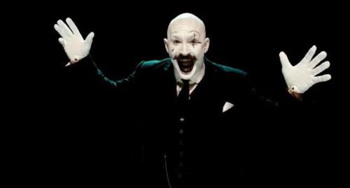Bronson-Nicolas-Winding-Refn-Tom-Hardy-movie-film-2