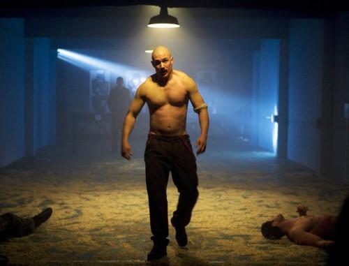 Bronson-Nicolas-Winding-Refn-Tom-Hardy-movie-film-3