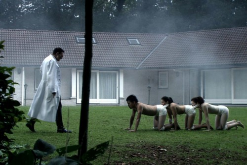 The-human-centiped-first-sequence-Tom-Six-Dieter-Laser-2