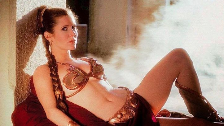 carrie-fisher-posing-seductively-in-a-bikini-1442409878