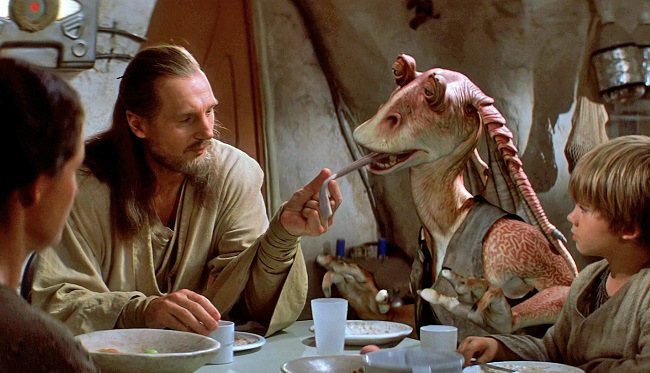 starwars-the-phantom-menace-liam-neeson-jar-jar-binks_lucasfilm-brightened
