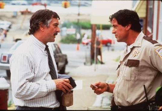 Copland-James-Mangold-Sylvester-Stallone-Robert-de-NIro-Ray-Liotta-Harvey-Keitel-1