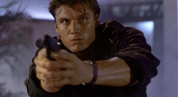 Dark-angel-1990-Dolph-Lundgren-2