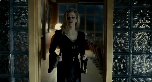 Dark-shadows-Tim-Burton-Johnny-Depp-Eva-Green-Helena-Bonham-Carter-Michelle-Pfeiffe-Chloe Moret-Christopher Lee-10