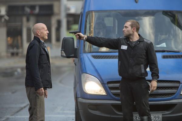 Die-Hard-5-Belle-journée-pour-mourir-Bruce-Willis-John-Moore-Sebastian-Koch-2