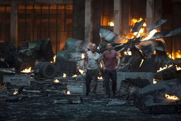 Die-Hard-5-Belle-journée-pour-mourir-Bruce-Willis-John-Moore-Sebastian-Koch-3