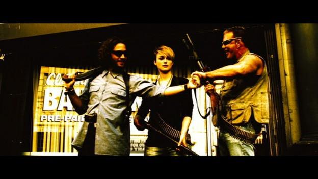 Domino-Tony-Scott-Keira-Knightley-Mickey-Rourke-film-movie-2