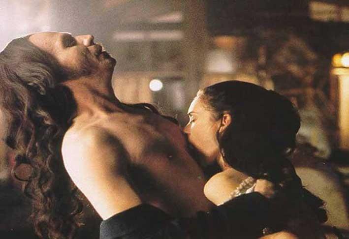 Dracula-Coppola-Gary-Oldman-Anthony-Hopkins-Keanu-Reeves-Winona-Ryder-2